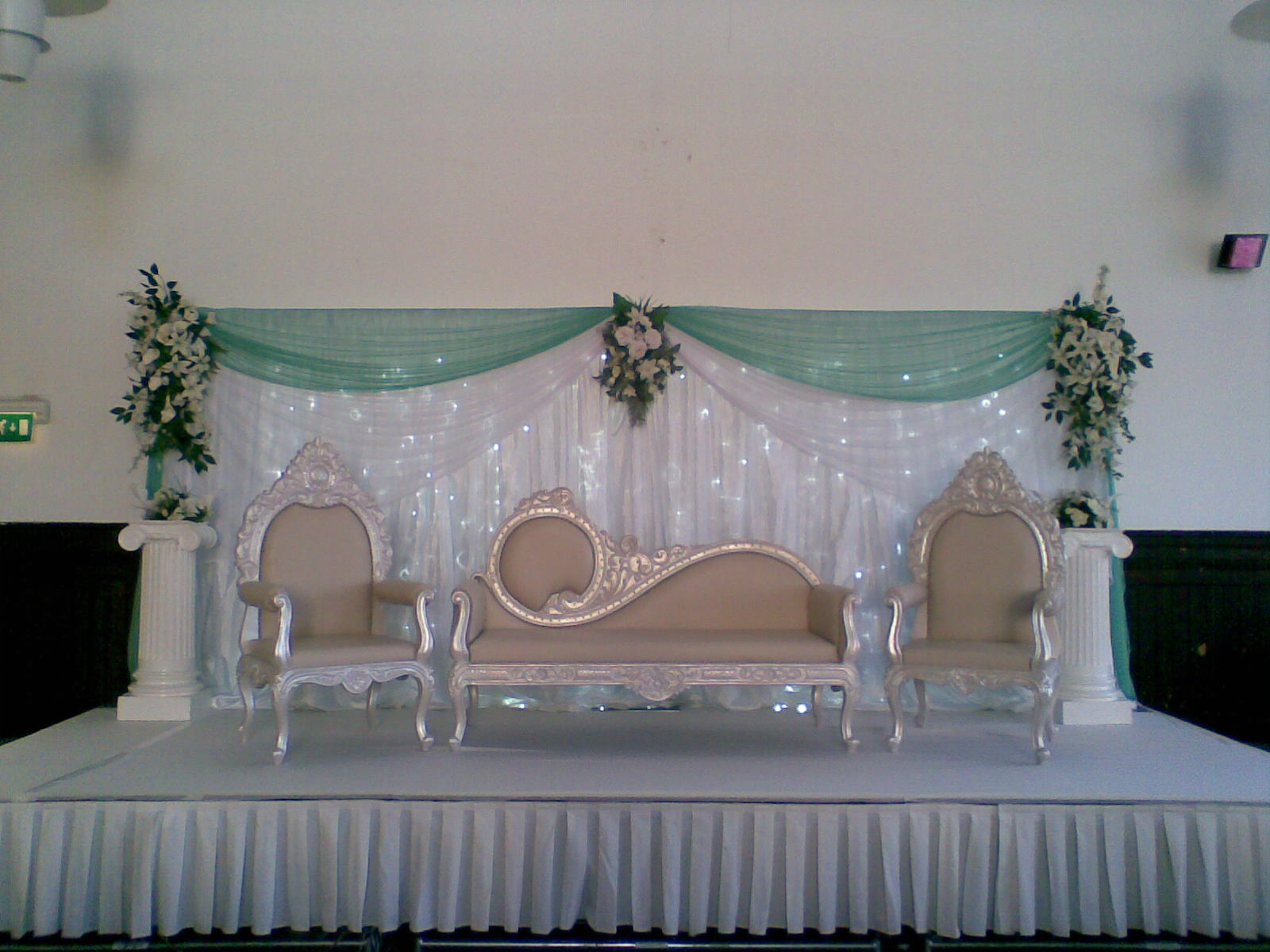 Fusion decor wedding stages for Decoration pics